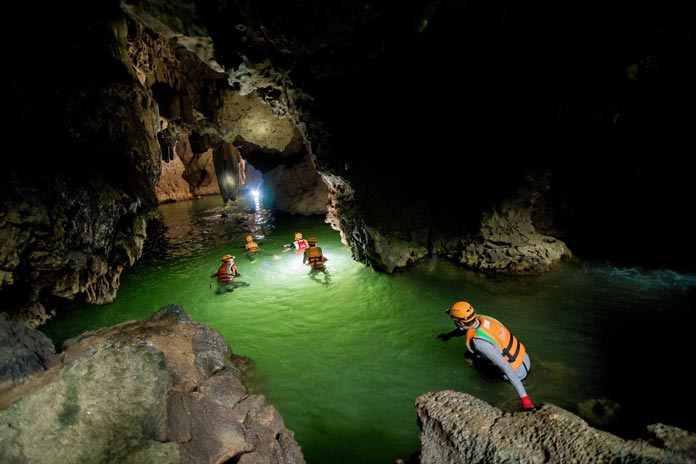 Solo traveller reviews on Tu Lan Cave Encounter 2 days tour with Oxalis Adventure